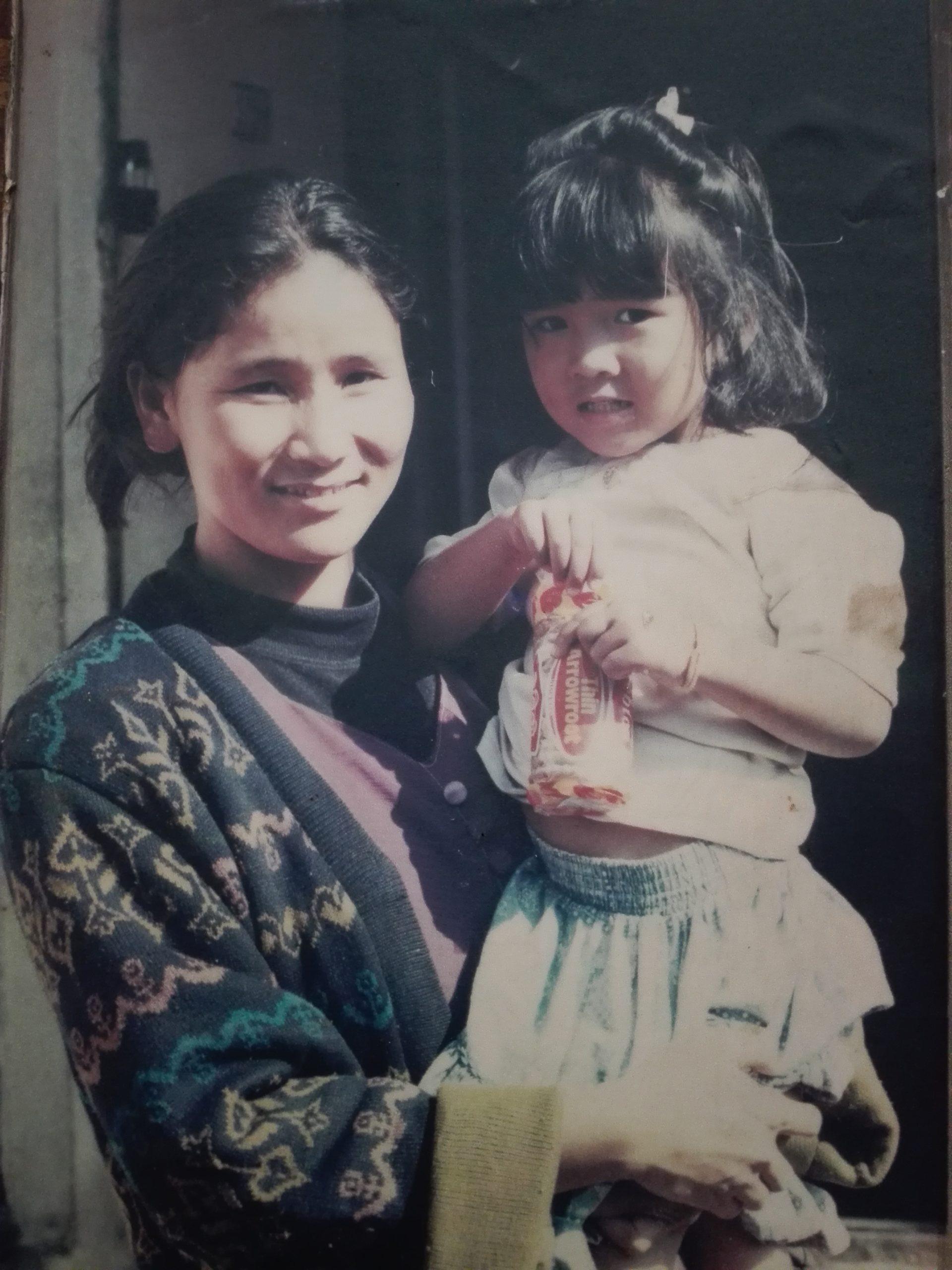 indira-ranamagar-with-daughter